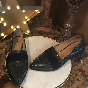 BCBG WOMENS FLATS SIZE 12 Green PATENT LEATHER